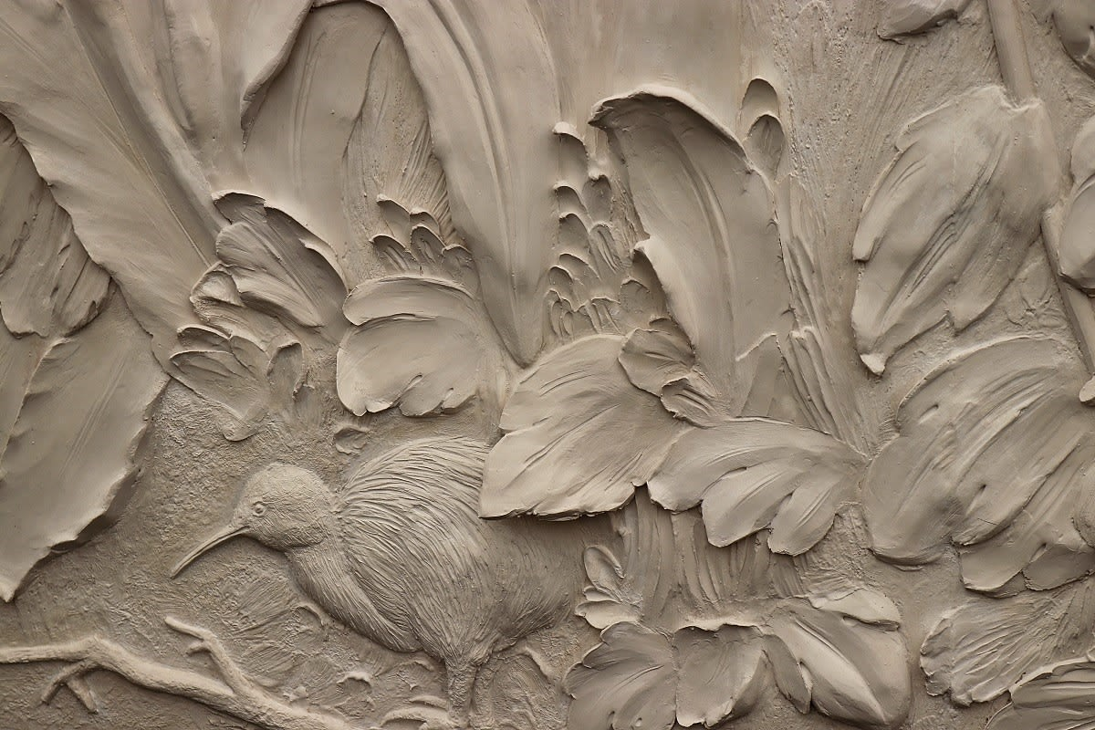 scagliola-bas-relief-bird-decorex-2018-pigmentti