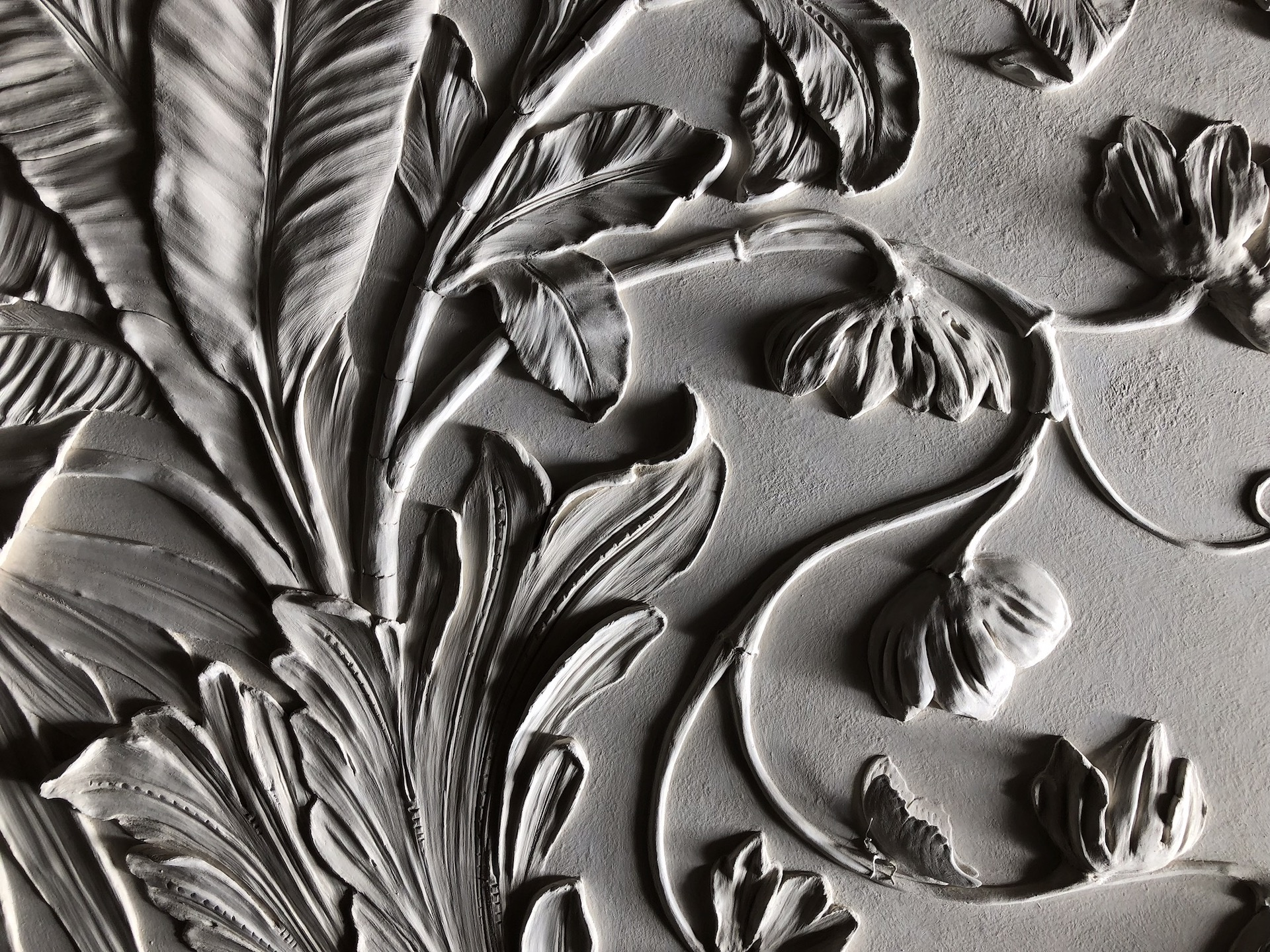 Bas-Relief Sculpture: What is it and how can it be used in modern-day  interior design? - Pigmentti