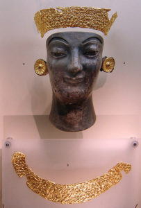 Archaic-Chryselephantine-statue-gold-leaf-Delphi-Archaeological-Museum