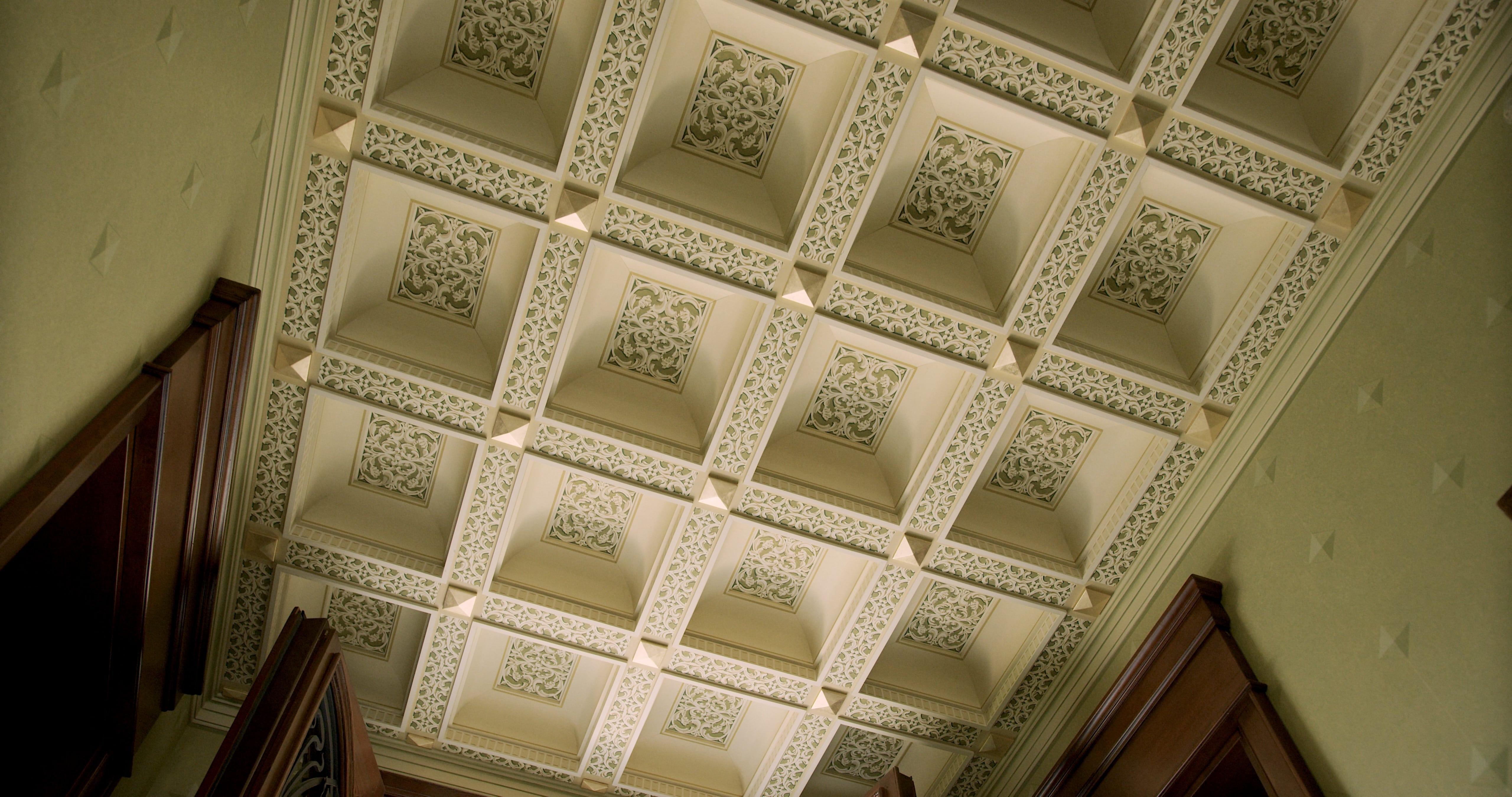 ceiling-decoration-statement-art-pigmentti