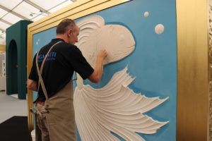 decorex-2018-bas-relief-demonstration